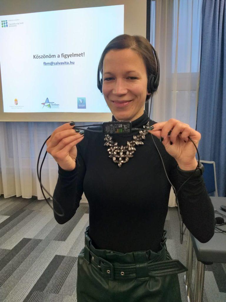 Kappel Katalin előadás után a MEF klubon